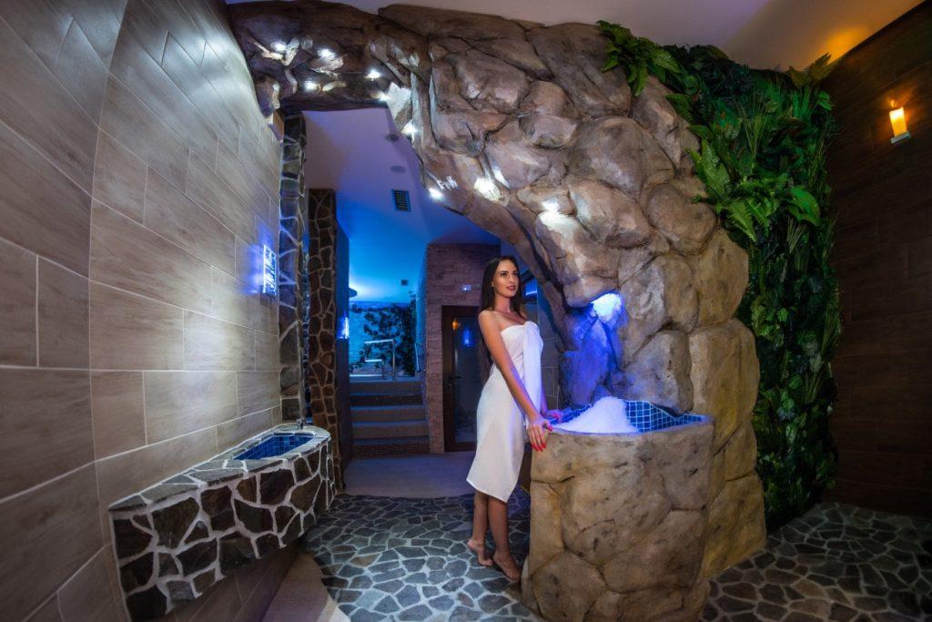 Ice fall & drining fountain, Ľadopád a pitná fontána - Wellness Paradise Žilina, Sauna & SPA